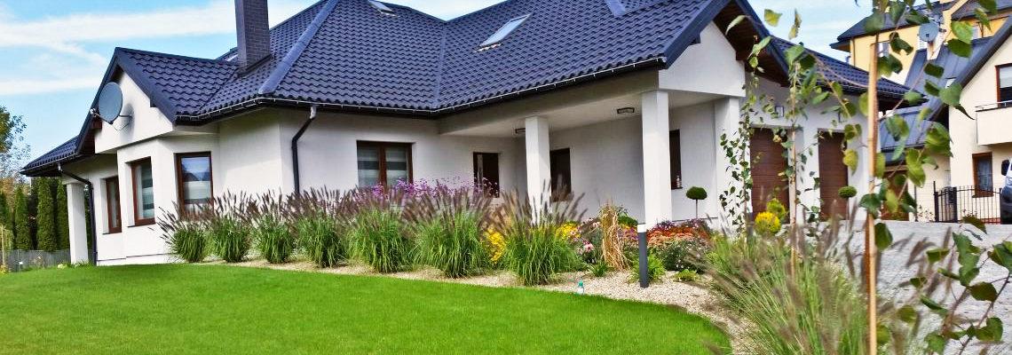 Rabata bylinowa - ogród frontowy w Rzeszowie